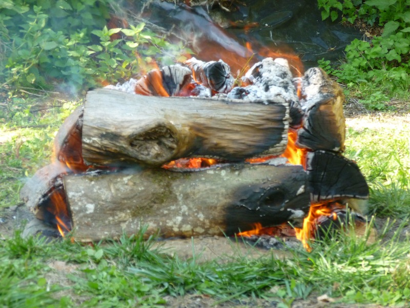 feu hutte-de-reliance